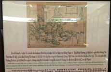 """""""越南黄沙和长沙两个群岛—历史证据和法律依据""""资料和地图展在广南省开展"""