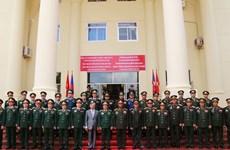 越南人民军高级代表团对老挝进行正式访问