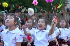 越南全国各所学校一律举行2015-2016学年开学典礼