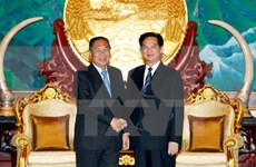 越老一向为巩固和加强两国传统友谊、特殊团结与全面合作关系给予最大优先
