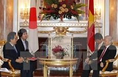 阮富仲总书记会见日本贸易振兴机构与民间外交推进协会领导人