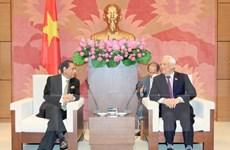 越南国会副主席会见孟加拉国议会公共行政事务委员会代表团