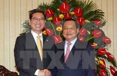 胡志明市委书记会见韩国国会代表团