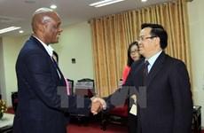 南非共产党高度评价越南发展成就