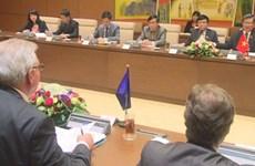 越南国会对外委员会主任与欧洲议会欧洲——东南亚和东盟友好议员小组代表团举行会谈