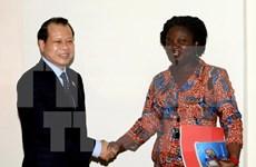 越南政府副总理武文宁会见世行驻越南首席代表