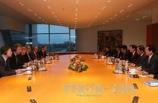 越南国家主席张晋创同德国总理安格拉·默克尔举行会谈