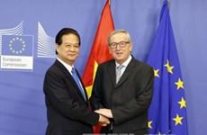 阮晋勇总理同欧洲理事会主席和欧盟委员会主席发表联合新闻公报