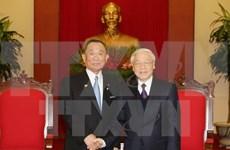 越共中央总书记阮富仲会见日本参议院议长山崎正昭
