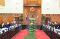 越南政府副总理黄忠海同俄罗斯政府第一副总理舒瓦洛夫举行会谈