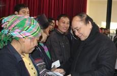阮春福副总理莅临老街省沙巴县视察严寒天气影响克服工作