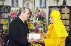 越南祖国阵线中央委员会主席阮善仁春节走访慰问宗教界人士