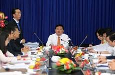 胡志明市市委书记丁罗升:大力提升干部素质水平 努力改善人民生活条件