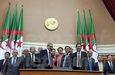 越南与阿尔及利亚加强传统友好关系