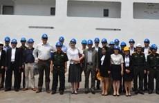 荷兰驻亚太各国武馆团访问越南国防部国防工业总局秋江总公司