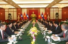阮富仲总书记与老挝人民革命党中央委员会总书记、国家主席本扬·沃拉吉举行会谈