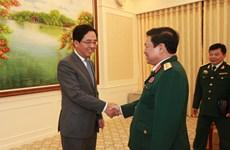 越南国防部部长吴春历大将会见中国等国驻越大使