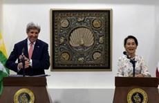 美国国务卿约翰·克里访问缅甸
