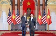 国际媒体纷纷报道美国全面解除对越南武器销售禁令的信息