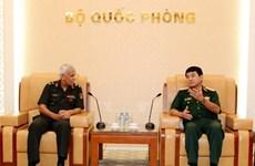 越南人民军副总参谋长武文俊上将会见印度国防学院代表团