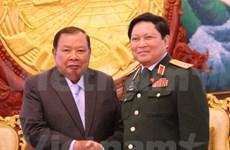 老挝领导人高度评价越老防务合作取得的进展