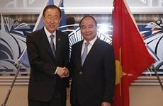 阮春福总理出席G7峰会扩大会议期间举行多场双边会晤