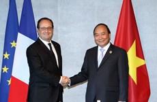 越南政府总理阮春福七国集团峰会期间与各国元首举行双边会晤