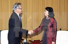 越南国家副主席邓氏玉盛会见越裔南澳大利亚州总督黎文孝