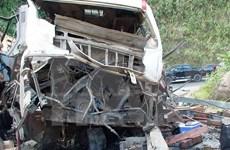 老挝一辆载有越南人客车爆炸:越老双方配合开展善后处理工作