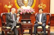 胡志明市委书记丁罗升会见德国驻越大使和美国驻胡志明市总领事