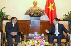 越南政府副总理范平明会见缅甸驻越南大使吴温莱