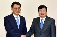 越南政府副总理郑廷勇会见越南斗山重工业有限公司总经理