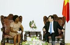 政府副总理郑廷勇会见世行东亚与太平洋地区副行长维多利亚·克瓦