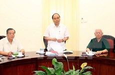 政府总理阮春福同老先锋青年协会代表进行座谈