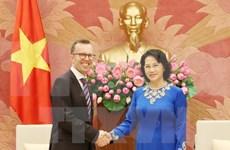 越南国会主席阮氏金银会见新西兰和菲律宾驻越大使