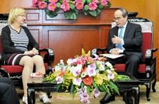 阮善仁会见联合国儿童基金会东亚—太平洋地区办事处区域主任卡琳.哈索夫