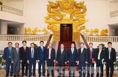阮春福总理会见柬埔寨邮电部大臣陈尤德