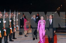 阮春福总理圆满结束赴老出席第28、29届东盟峰会和系列会议