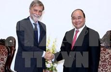 越南政府总理阮春福会见意大利基础设施和交通部部长德尔里奥