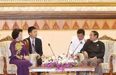 越南国会主席阮氏金银会见缅甸下议院议长吴温敏