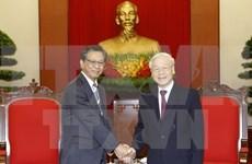 越共中央总书记阮富仲会见日本驻越南大使