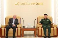 武文俊上将会见德国联邦国防军指挥学院代表团