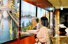 越南画家范论的日本风景画画展在东京开展