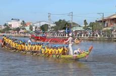 越南南部地区高棉族人欢度拜月节