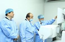 阮春福总理出席眼科医院成立100周年纪念典礼(组图)