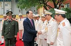 越南国家主席陈大光出席人民公安警卫力量成立65周年典礼(组图)