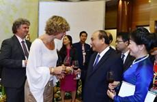 越南政府总理阮春福为国际友人主持国庆招待会(组图)