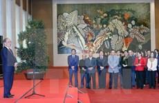 越南党和国家领导向各机构和地方拜年
