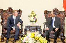 越南政府总理阮春福会见美国投资商代表团