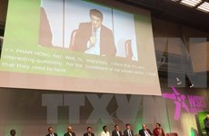 越南代表团出席2016年信息社会世界峰会论坛